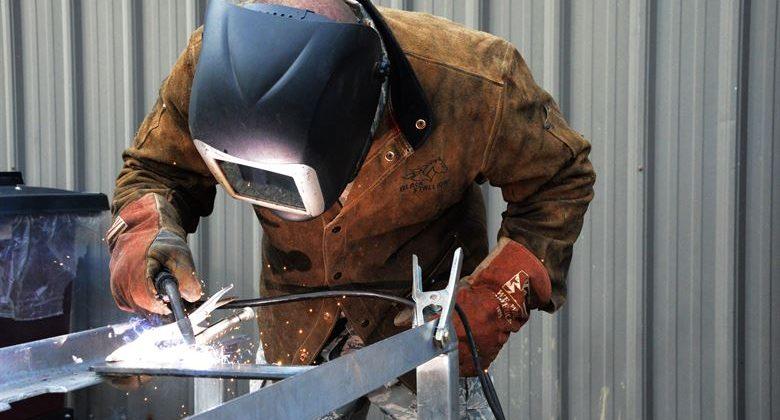 پاورپوینت کیفیت جوشکاری و توانایی آسیب لرزه ای ساختمان